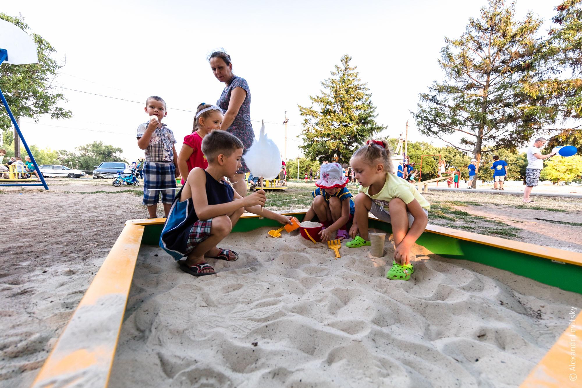 Украина, Одесса. Детская площадка на Фонтанке